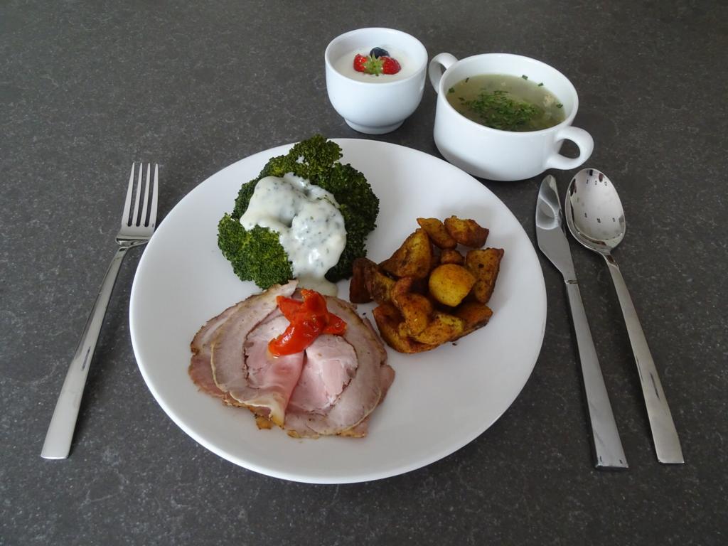 tafeltje dekje maaltijd 4