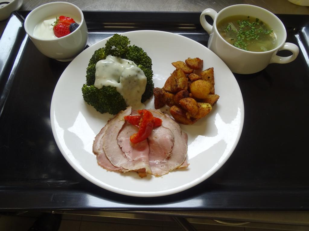 tafeltje dekje maaltijd 5