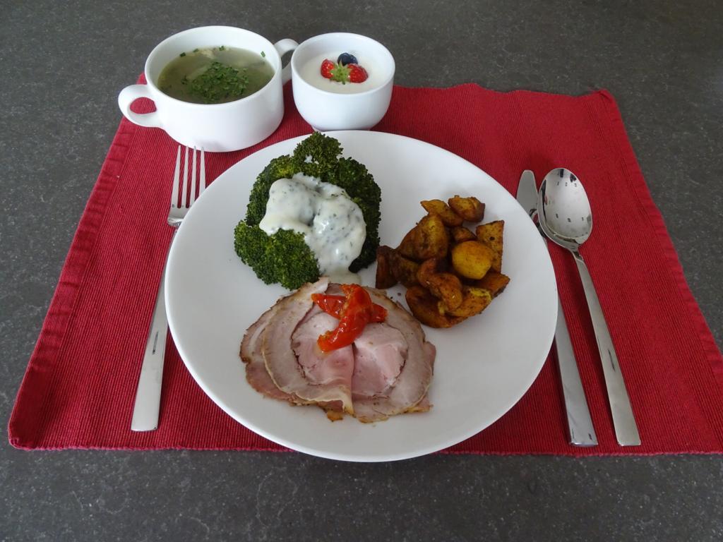 tafeltje dekje maaltijd 2